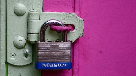 master-lock-on-door